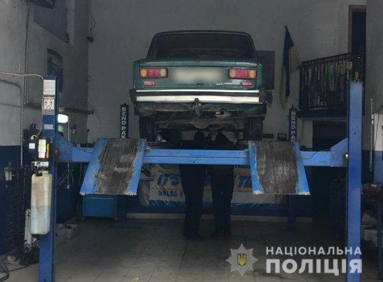 На Кіцманщині поліція оперативно розшукала водія, котрий на смерть збив чоловіка й утік з місця події