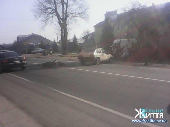 У Лужанах місцевий житель на мотоциклі потрапив у ДТП