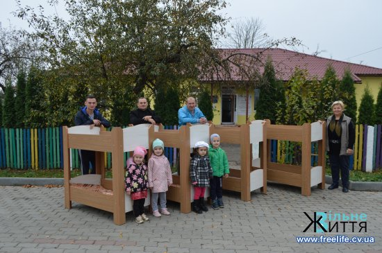 Суховерхівський садок поповнився ще одним комплектом меблів