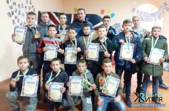 Кікбоксери Кіцманщини здобули 10 призових місць на чемпіонаті у Кам'янці-Подільському