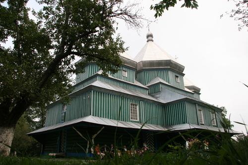 У селі Шишківці Кіцманського району церковна громада перейшла до Православної церкви України