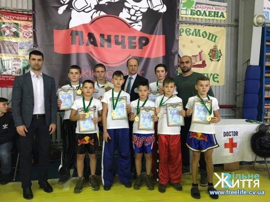 Успішний виступ кікбоксерів у Чернівцях на кубку України