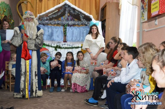 У Кіцманський реабілітаційний центр «Дзвіночок» завітав Святий Миколай з подарунками