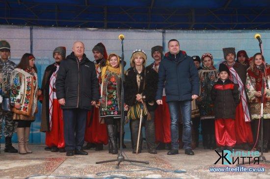 На конкурсі в Кіцмані перемогли маланкарі з Суховерхова (ФОТО)
