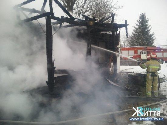 Під час пожежі у власному будинку в Шипинцях загинів чоловік
