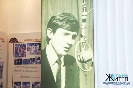 У Кіцманській музичній школі вже 10 років діє кімната-музей Володимира Івасюка (відео)