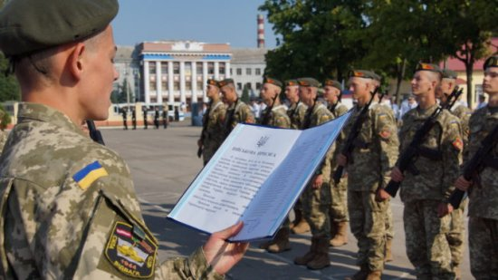Кіцманський ОРВК проводить відбір та здійснює прийом заяв для вступу у вищі військові навчальні заклади Міністерства оборони України