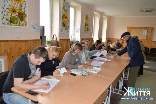 Як голосують на Кіцманщині. 21 березня -  другий тур виборів Президента (фото)