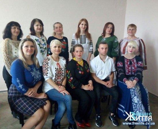 Жителі Кіцманщини у вишиванках: ФОТОРЕПОРТАЖ