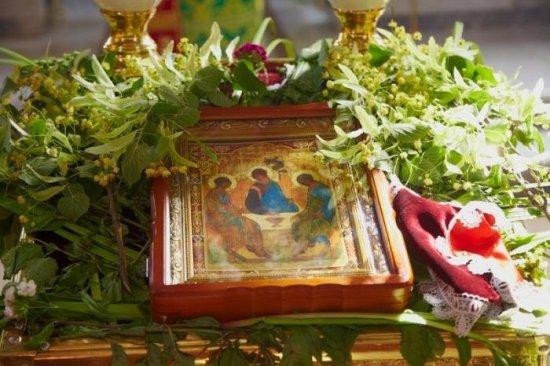 Сьогодні на Буковині відзначають Зелені свята або Трійцю