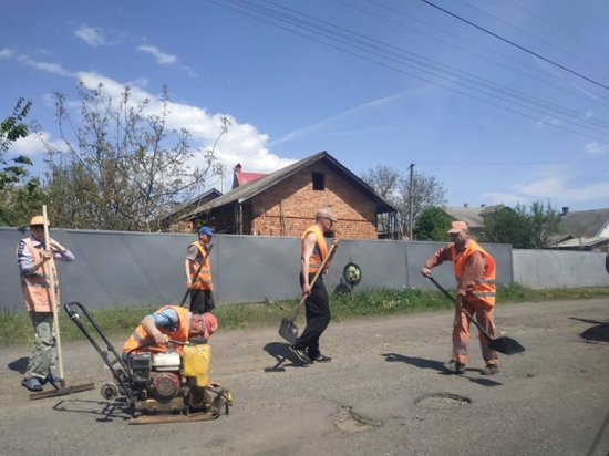 Ремонти доріг Кіцманщини: які ділянки ремонтують і які ще заплановано