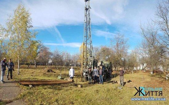 У Кіцманській райлікарні пробурили свердловину для водопостачання
