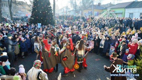 Суховерхів отримав перше, Драчинці — друге місце на конкурсі Маланок у Кіцмані